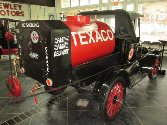 City Garage Car Museum : Model T Gas, oil and grease delivery