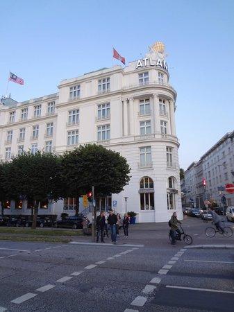 Hotel Atlantic Kempinski Hamburg: Hotelansicht Vorderseite
