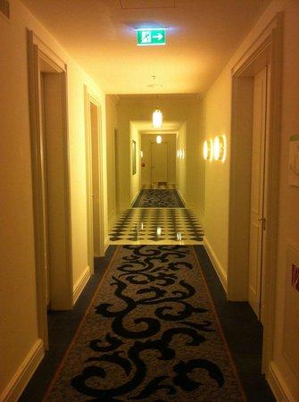 Hotel Atlantic Kempinski Hamburg: Hotelflur