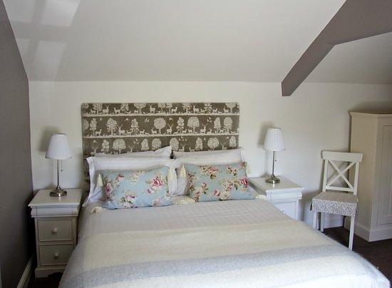 New Inn Hotel: The room