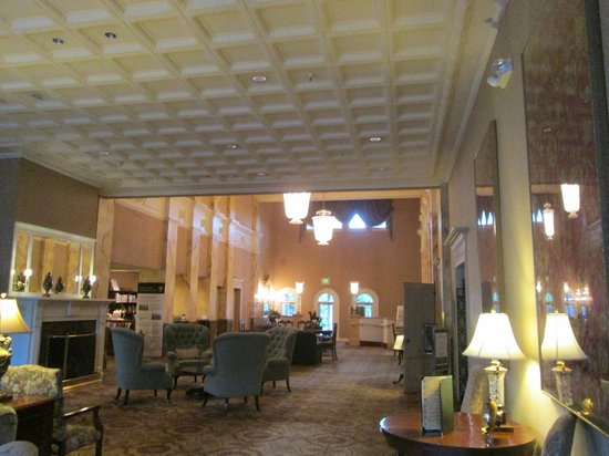 The General Morgan Inn: Lobby