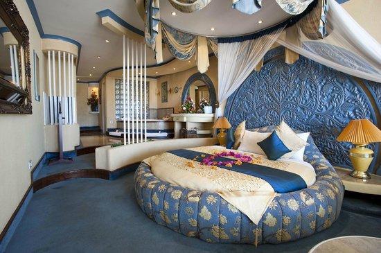 Kunduchi Beach Hotel And Resort Honeymoon Suite