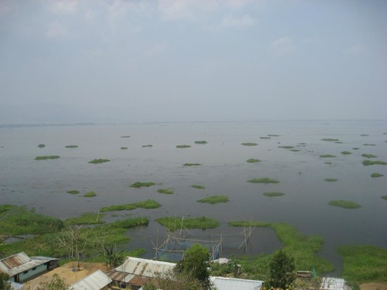 Imphal, India: Loktak lake, Manipur, India