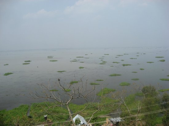 Imphal, India: Loktak Lake