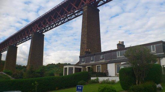 Northcraig Cottage B&B: amazing engineering