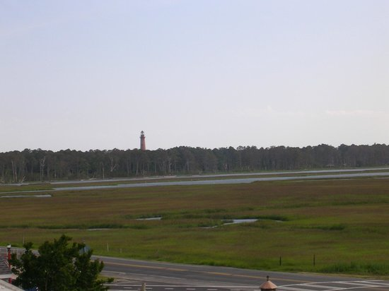 Best Western Chincoteague Island: View of the lighthouse from room (third floor)