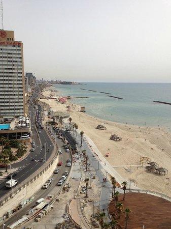 Renaissance Tel Aviv Hotel: balcony view from room ..04