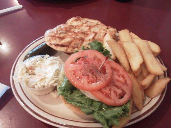 Woodside Deli: Grilled Chicken Platter