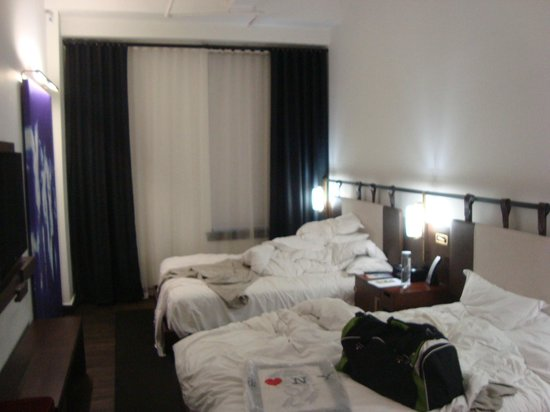 Refinery Hotel : Our room