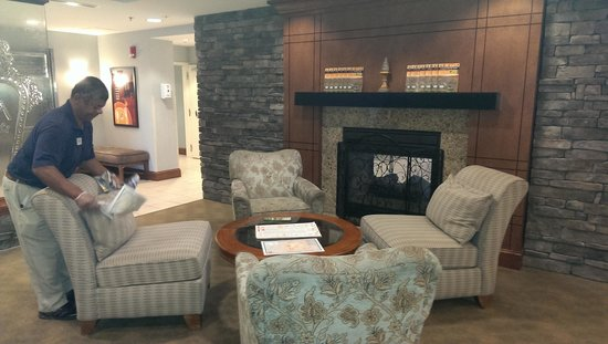 Holiday Inn Hotel & Suites Beckley: Nice lounge area