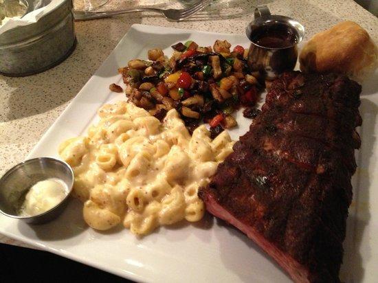 Sweet T's Restaurant & Bar: 1/2 rack ribs, with mac, and pepper mushroom hash.