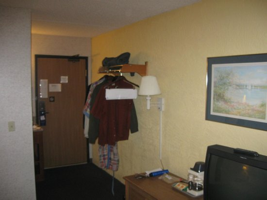 Motel 6 Elk Grove Village - O'Hare: Clean and basic room