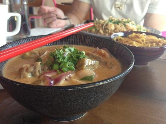 Happy angels eat: Duck and lychee red curry with spicy noodle