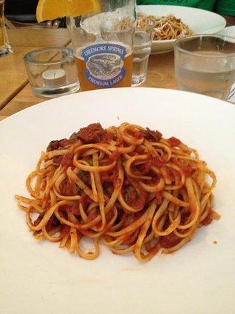 Magnone's Italian Kitchen: puttanesca pasta