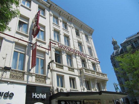 Leonardo Hotel Antwerpen: voorkant hotel