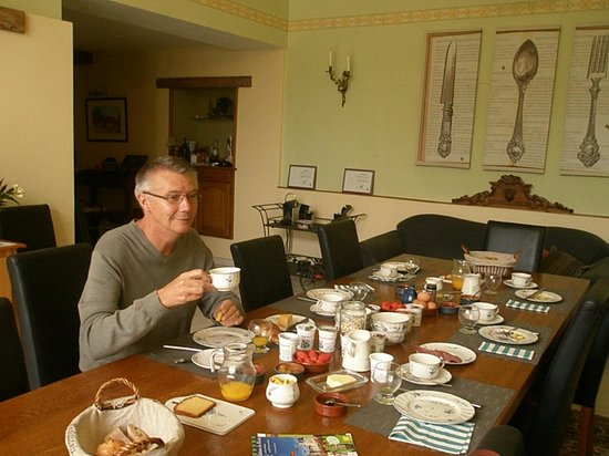 La Closerie Saint Martin: petit déjeuner dans la très belle salle à manger