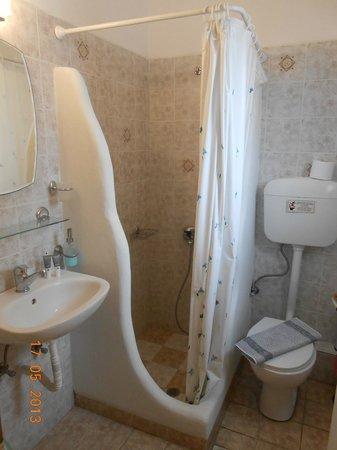 Delmar Apartments & Suites: Bathroom