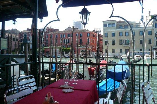 Hotel a La Commedia: une terrasse à Venise...