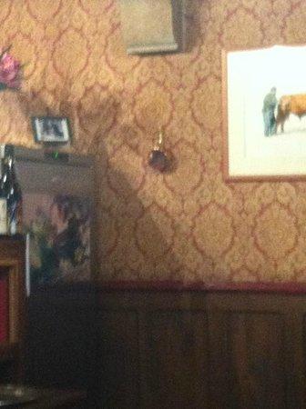 Hôtel des Chevaliers : La tapisserie de la salle a manger