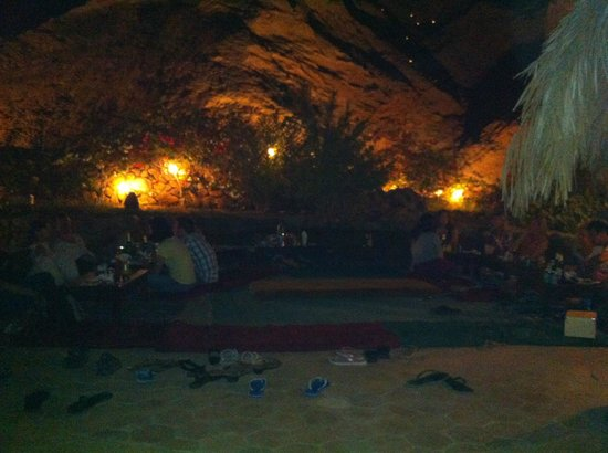 The Bedouin Moon Hotel: Weekly evening banquet