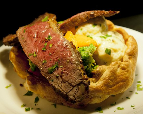 The Penny Black Restaurant & Bar : Aberdeen Angus sirloin of beef, Yorkshire pudding, roast vegetables