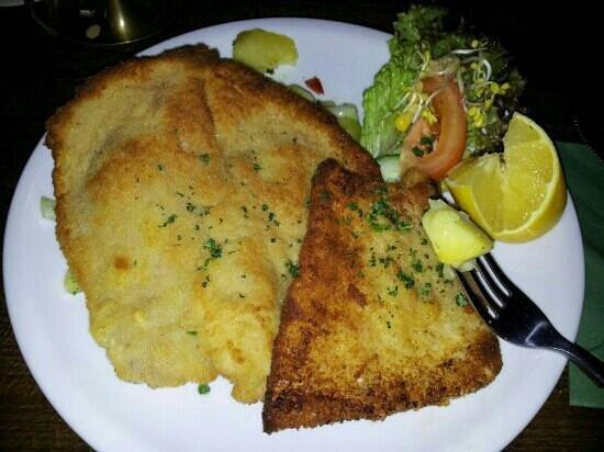 Berlino Wirthaus stresemann: fettine di maiale con patate e cetrioli