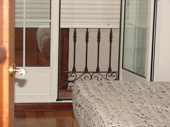 Good Stay Madrid: il terrazzino delle camere