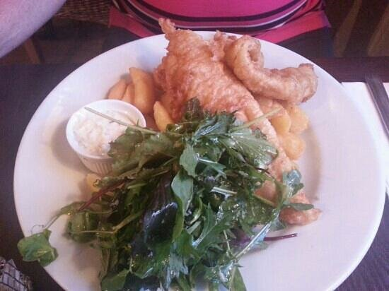 The Wheelwright Inn: The trio of battered fish