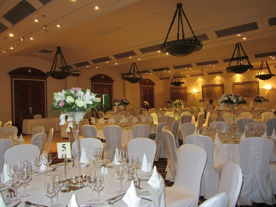 Hilton cyprus wedding dinner picture of hilton cyprus nicosia hilton cyprus wedding dinner junglespirit Choice Image