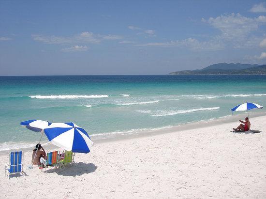 Pousada Laguna: Em frente à praia paradisiaca, agreste e bela, com suas areias brancas e águas azul turquesa