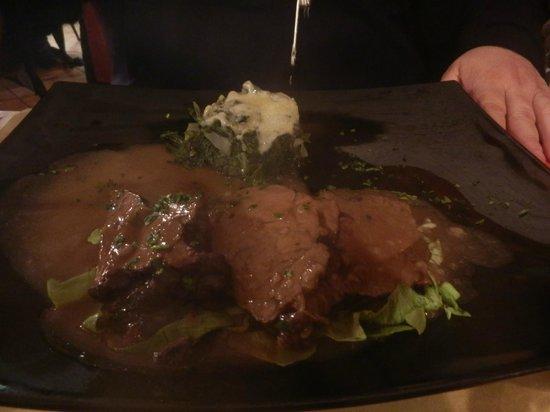 Osteria Al Tagliere: Un secondo piatto... Un primo piatto... la presentazione non è il loro forte!
