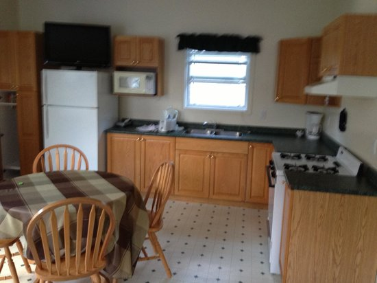 Sunny Beach Motel: Kitchen batchelor suite