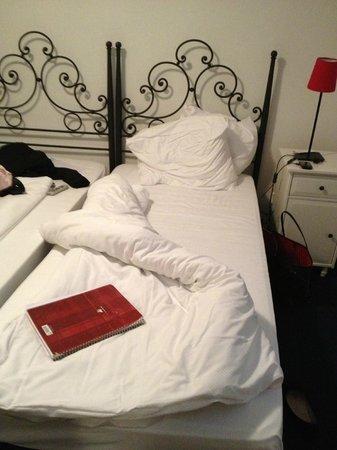 Hotel Hirschen: bed