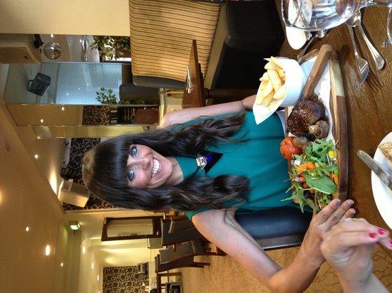Ambassador Hotel: Fab food!