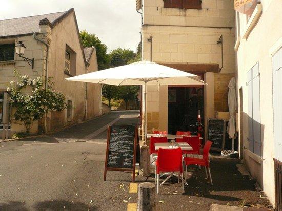 les saveurs d'italie : Petite place tranquille située juste à côté de l'office de tourisme