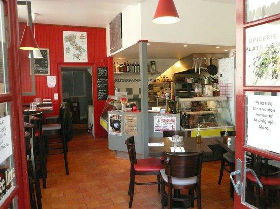 les saveurs d'italie : Juste quelques places à l'intérieur donc réservation obligatoire car beaucoup d'habitués...