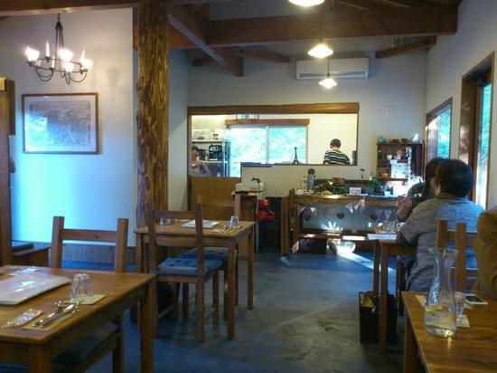 Rond Rond: Restaurant interior