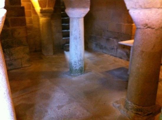 Duomo di Sovana - Cattedrale di San Pietro e Paolo: cripta