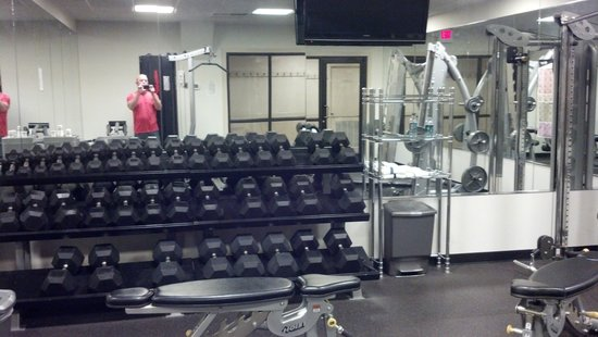 Comfort Inn Newport News/Williamsburg East: Plenty of room to get a great work out.