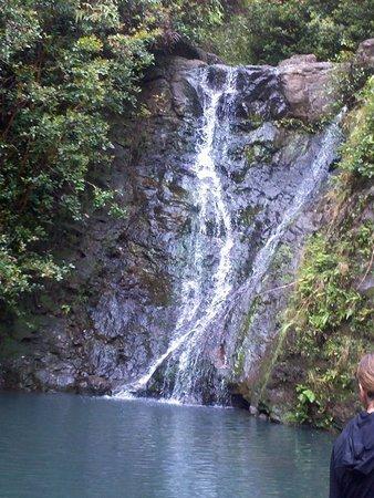 Laie Falls Trail : Laie Falls