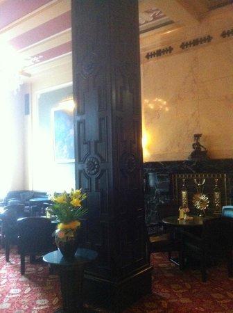 Hotel Esplanade Prague : Salotti annessi alla sala ristorante
