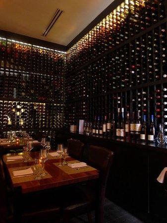 Tashan: Wine cellar
