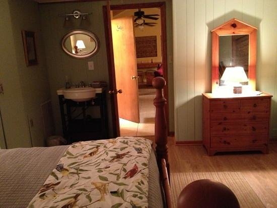 Birders Haven: bedroom