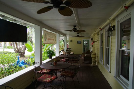 The Historic Peninsula Inn : Varanda