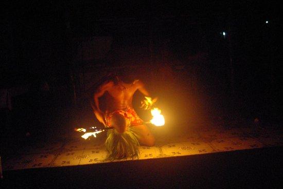 Faofao Beach Fales: Spectacle samedi soir