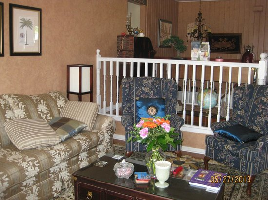 Hoppy's Bed & Breakfast: Living Room