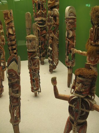 Museum of Ethnology (Ethnologisches Museum): From South Seaes collection