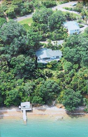 Heartsong Retreat: waterfront property