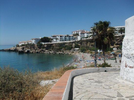 Toboso apar-turis Hotel: on the way to the beach