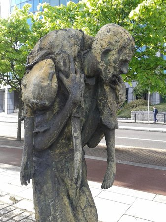 The Famine Sculptures: Up close
